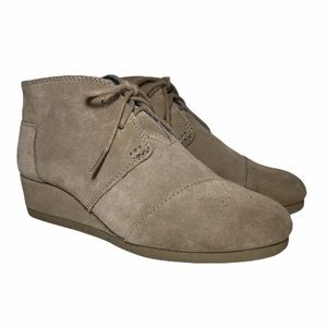 TOMS Lace Up Wedge Booties Taupe Suede 300416